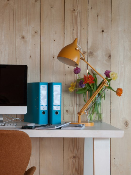 Tischlampe Reader in Gelb Zuiver