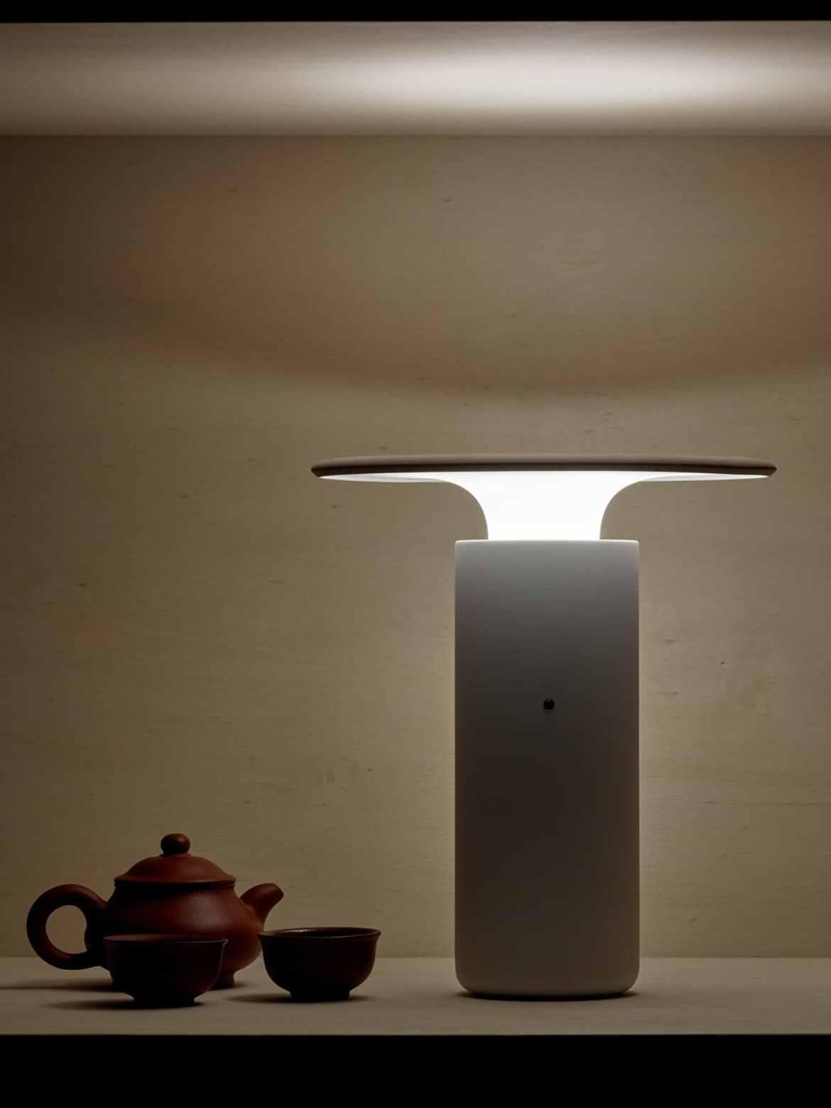 DesignOrt Blog: Trend: tragbare Leuchte Pottery Project Pott spanische Keramik Lampe Nais Luis Eslava
