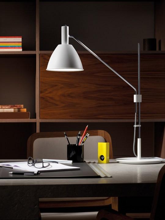 Bauhaus T Lumini Tischlampe