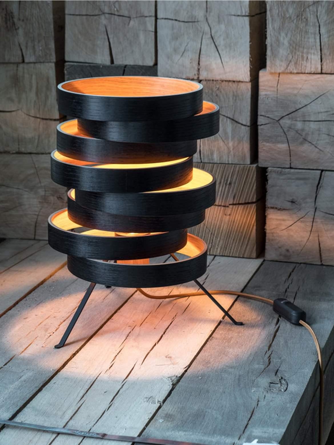 DesignOrt Blog Neuigkeiten Domus Licht Cloq Tischlampe aus Holz nachhaltig Made in Germany