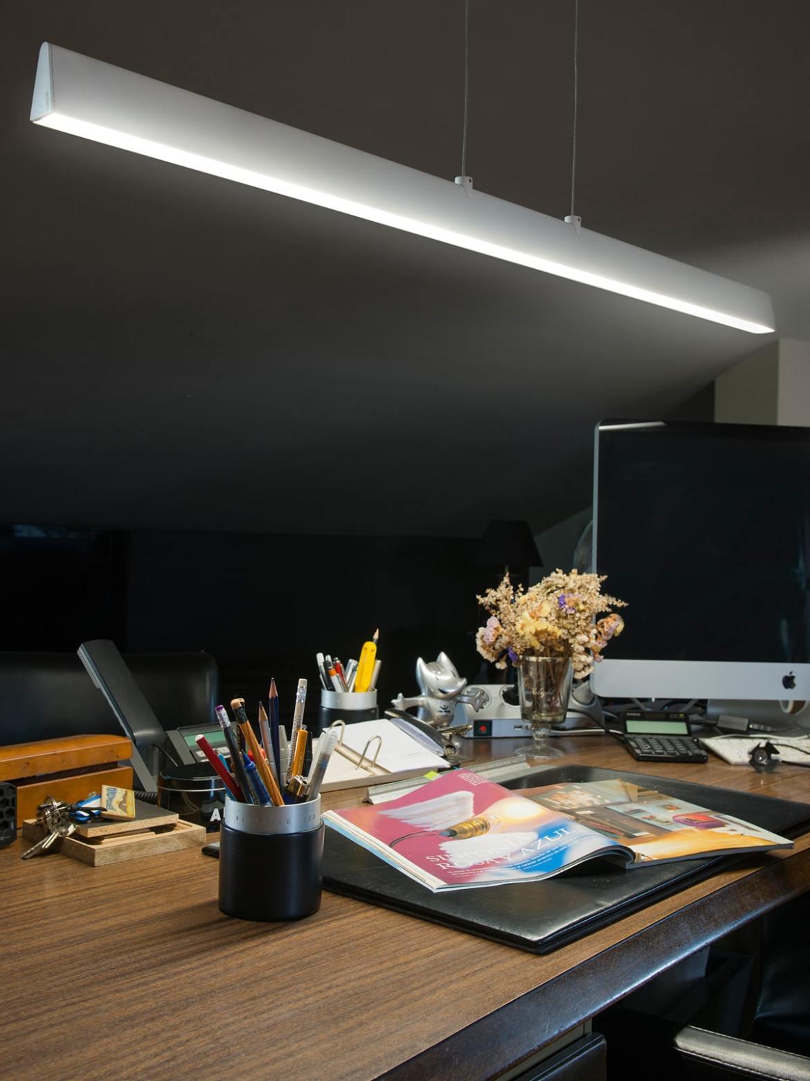 DesignOrt Blog: längliche Designerleuchten Conik von Faro