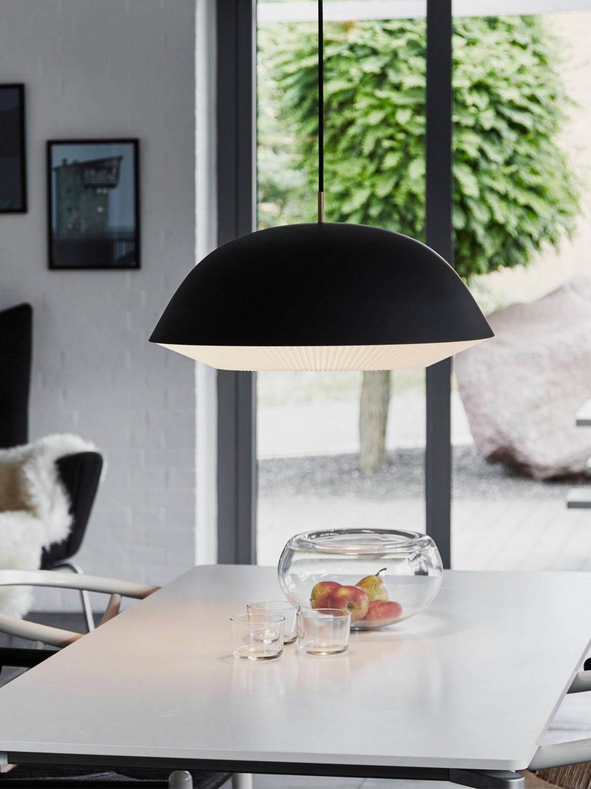 DesignOrt Blog: Designerleuchten in Schwarz und Weiß Le Klint Caché