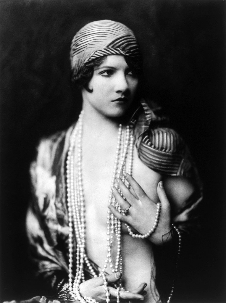 Jean Ackerman, Ziegfeld girl, by Alfred Cheney Johnston4