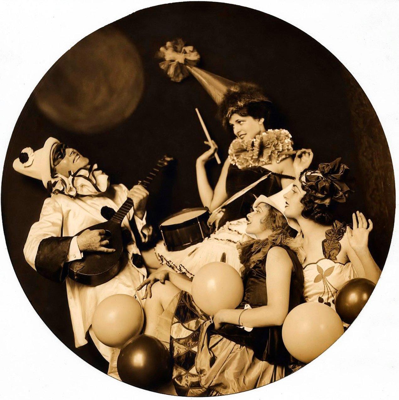 Ziegfeld Model - Non-Risque - by Alfred Cheney Johnston - Pierrot Serenading Three Women