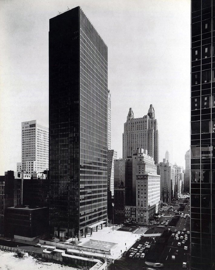 Seagram building, New York (1954-1958)
