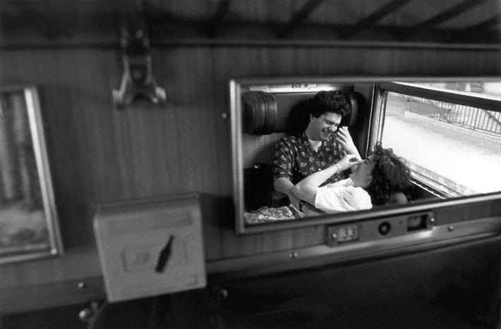 Lo specchio in dieci immagini dei grandi maestri della fotografia #1