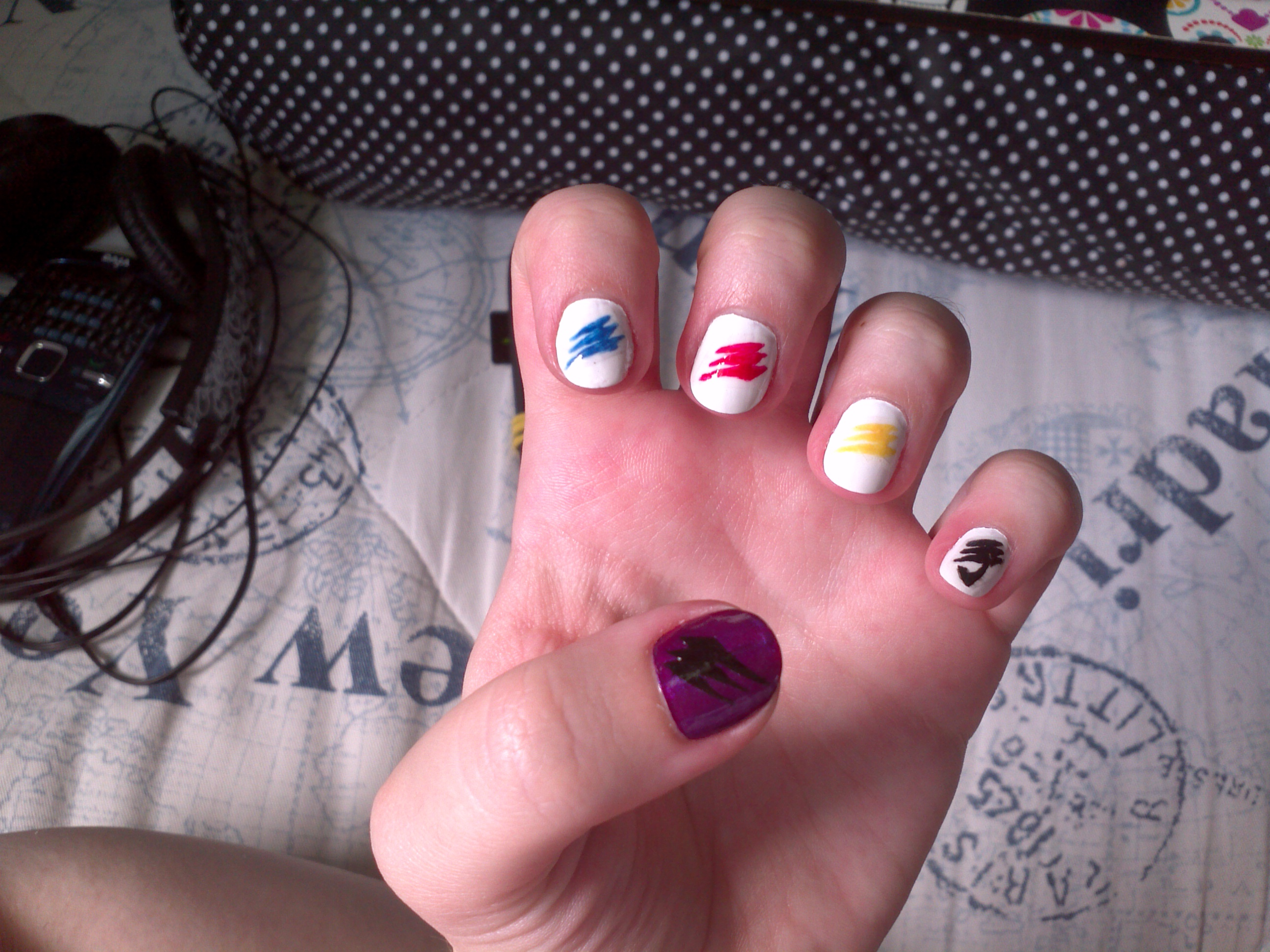 Nail designs top 10 easy pretty designs for short and long nails idea 3 random lines prinsesfo Choice Image