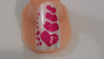 https://i1.wp.com/www.designsauthority.com/wp-content/uploads/2016/01/Valentines-day-nail-art-ideas.jpg?fit=640%2C427&ssl=1&resize=350%2C200
