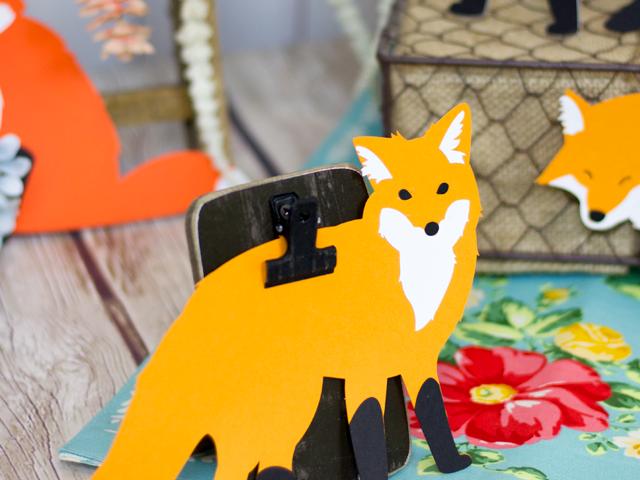 Die Cut Foxes