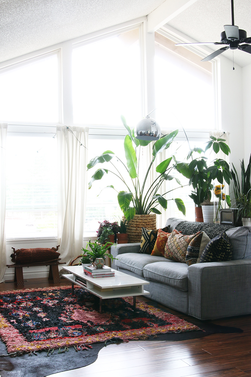 A Home Celebrating a Love of Vintage Finds Near Seattle ... on Decor Room  id=29159