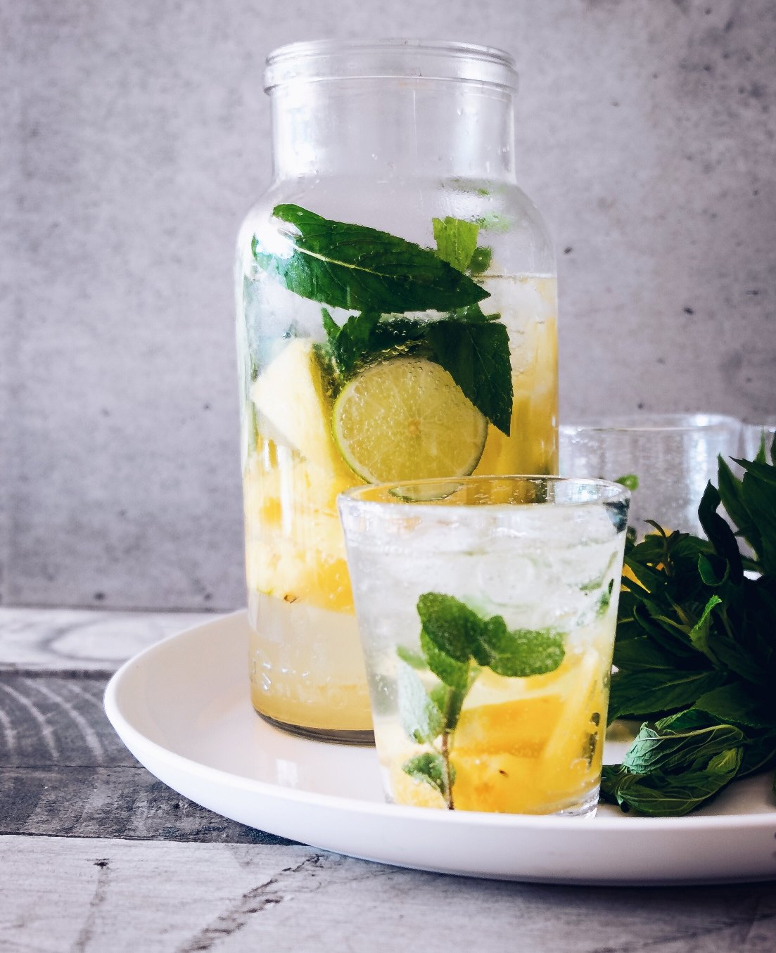 Reasons to start your day with lemon water