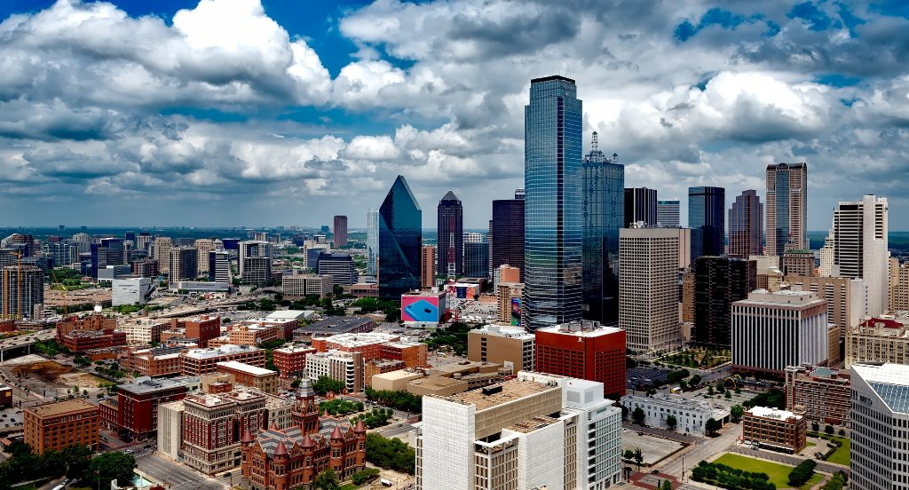 Here is why more people are moving to Dallas