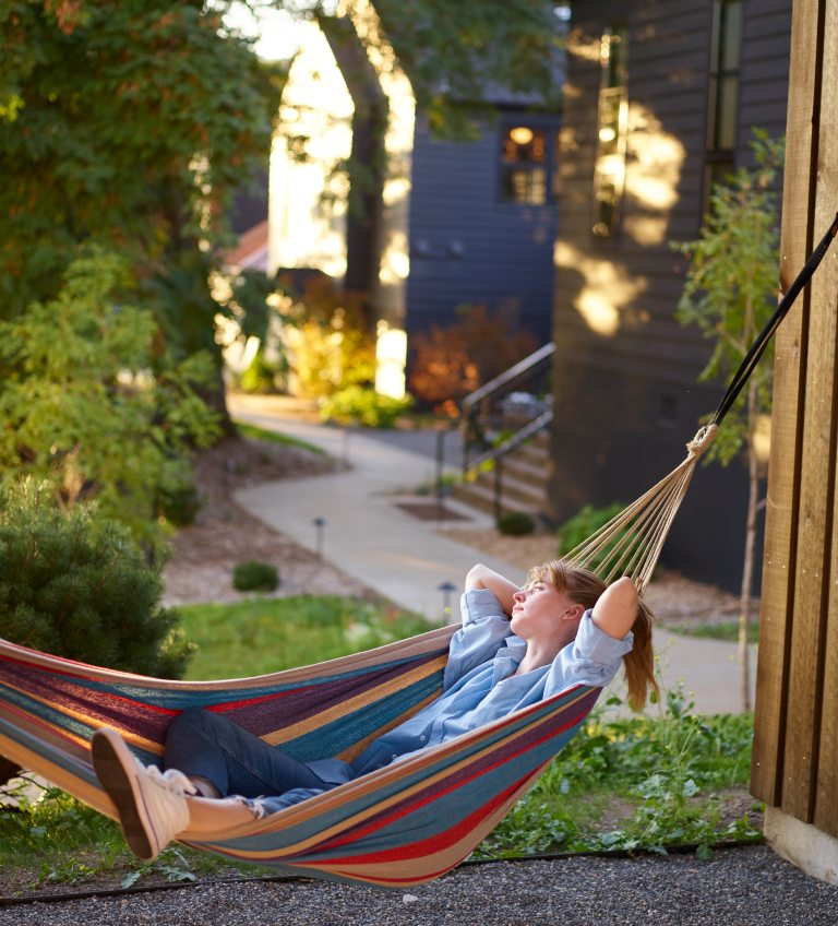 5 Ways to Create a Perfect Outdoor Living Space for Your Home