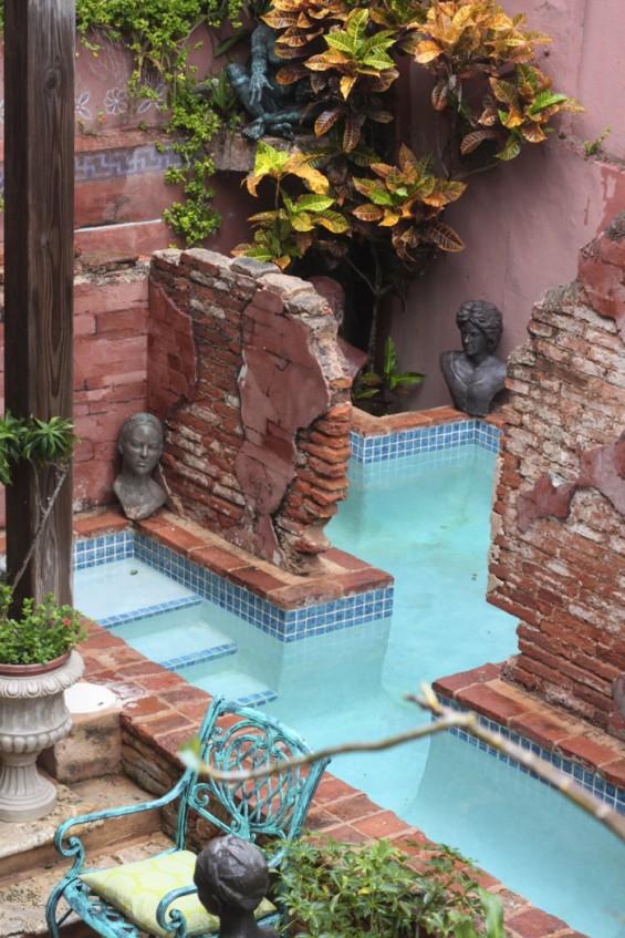 Gallery-Inn-pool-2