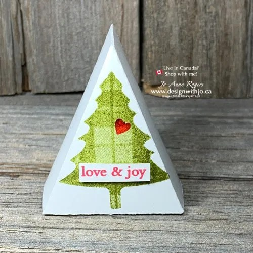 Grab Your Template to Make a Mini Christmas Tree Table Favour