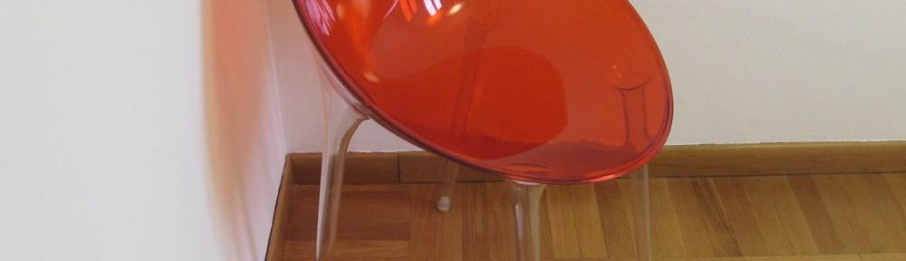 Sedie E Poltroncine Kartell.Due Poltroncine Mr Impossible Di Philippe Starck Per Kartell 145