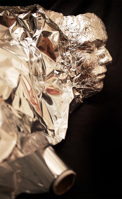 Aluminiumfolie kunst door Dominic Wilcox 2
