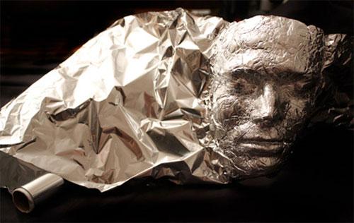 Aluminiumfolie kunst door Dominic Wilcox 3