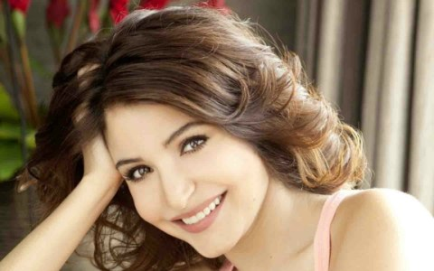 intresting facts about Anuska Sharma in hindi,amazing things about anuska sharma,अनुष्का शर्मा के बारे में रोचक बातें , unknown facts about anuska sharma