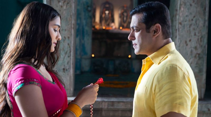 Relive your first love Chulbul Pandey style with the song Awara from Dabangg 3