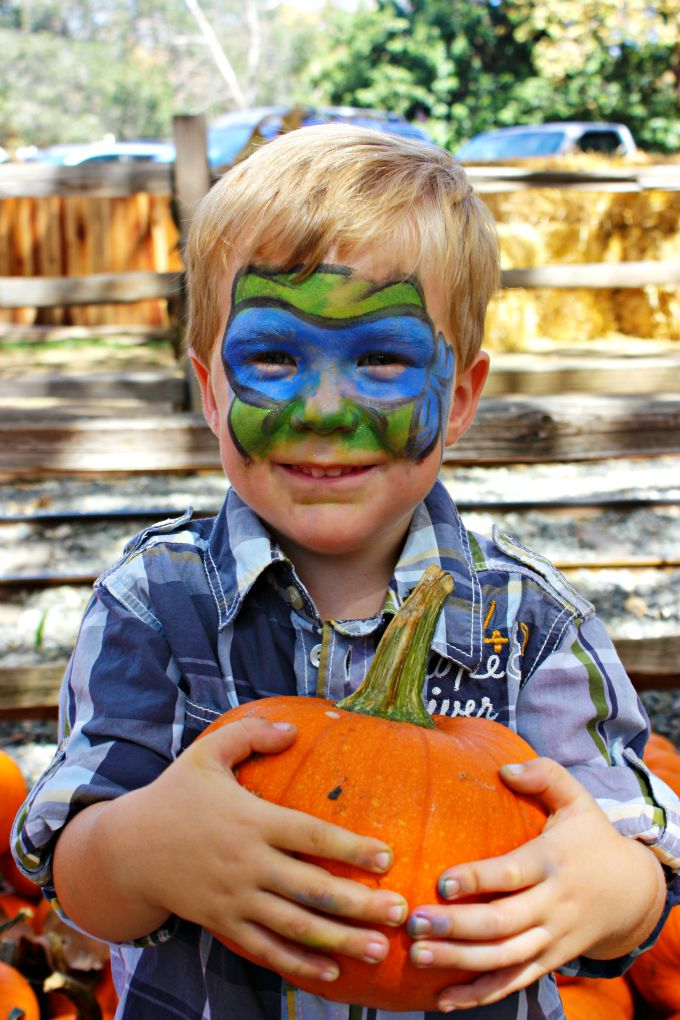 Irvine Park Railroad Pumpkin Patch - The Funny Mom Blog