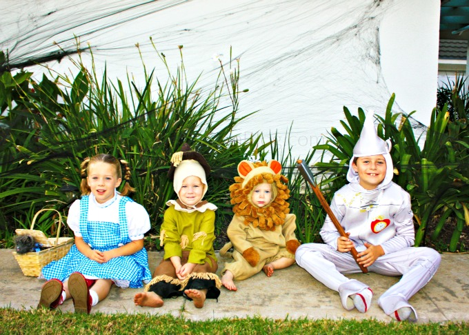Wizard of OZ Kids Costumes - The Funny Mom Blog