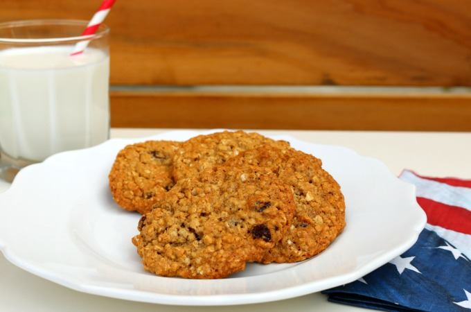 easy-oatmeal-raisin-cookie-recipe