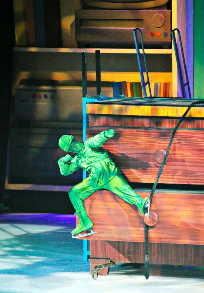 green_army_men_disney_on_ice