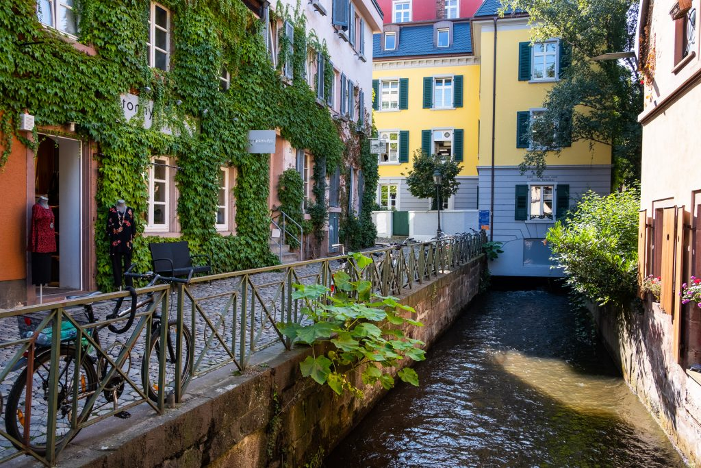 Freiburg im Breisgau , Tyskland Germany, Baden Württemberg, pastel, pastell, gate, kanal, canal, street, bike, bicycle