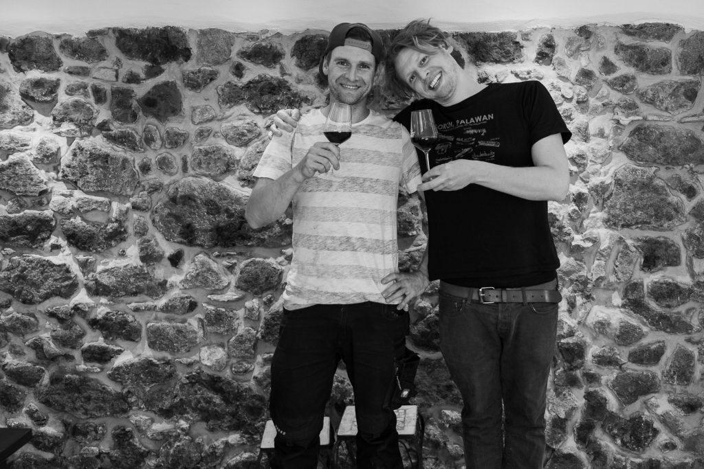 Bercher-Schmidt, vin, vinglass, brødre, smil,