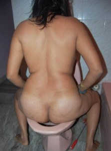 horny fat desi indian girl naked pissing image