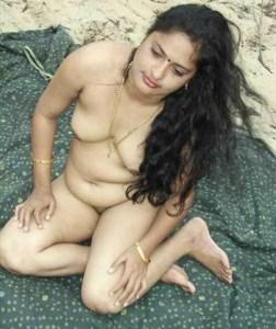 hot-desi-indian-babe-juicy-big-boobs-full-nude