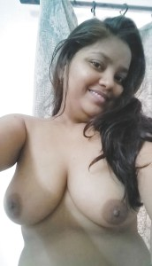 indian babe selfie boobs