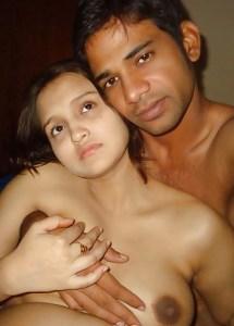 Desi Amateur Couple full nude big tits