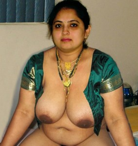 amateur desi aunty big boobs nude pic