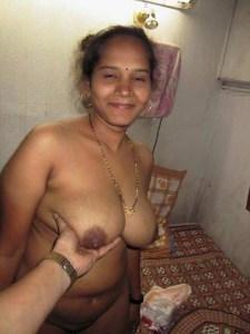 horny desi wife naked big boobs