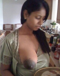 huge boobs indian girl naked pic
