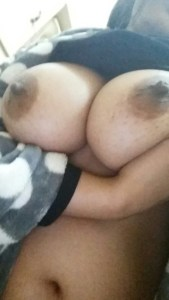 round big desi boobs photo