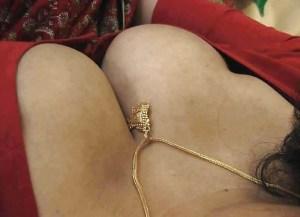 Amateur Aunty huge tits hot cleavage