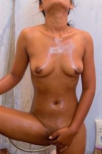 Desi Amateur Babe Full nude n wet