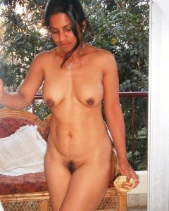horny desi milf naked pic