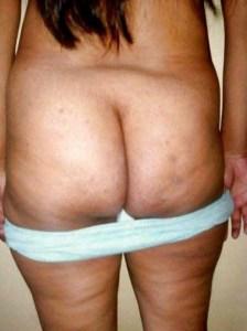 Desi Aunty show big round ass