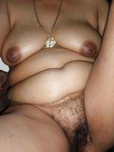 desi aunty big brown boobs hot