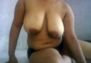 naked horny milf huge round tits