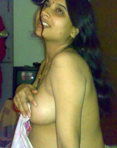 sexy desi indian housewife naked pic