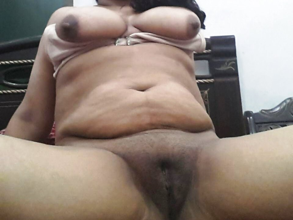 Desi Indian Pussy Exposed Nude Sexy XXX Photos Gallery