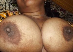 Big round boobs photo