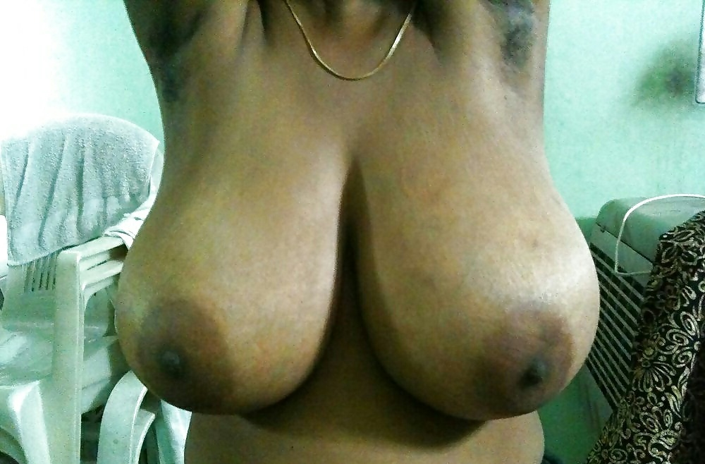 The Happiest Nri Aunty Ever With Perfect Tits