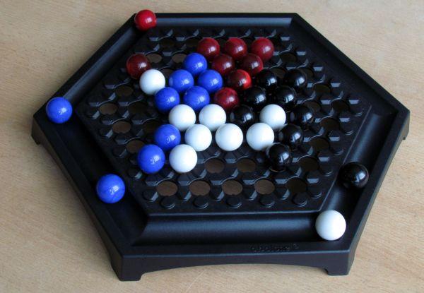 Abalone Quattro - rozehraná hra