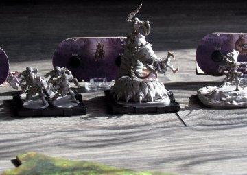 rune-wars-miniatures-game-05
